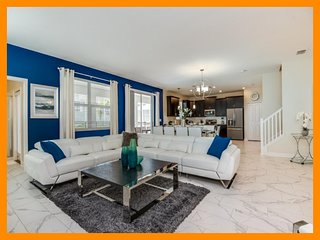 Championsgate 150 - villa with kids room, pool and spillover near Disney