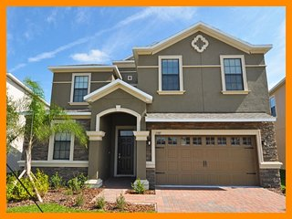 Providence Resort 8 - large resort villa with pool and game room - nr Disney