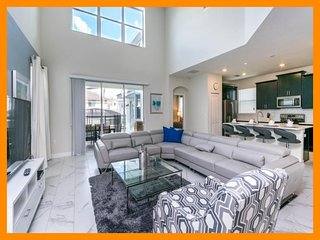 Championsgate 240 - Stylish villa with private pool and game room near Disney