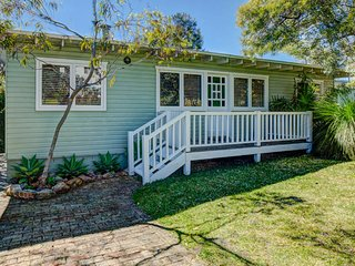 Calypso's Cottage at Hyams Beach - 4pm Check Out Sundays
