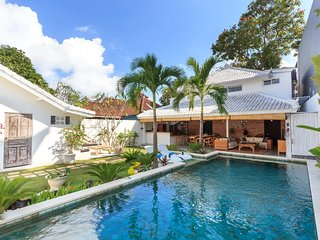 Kuta Holiday Villa 23449