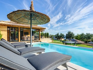 Luxury Bungalow Kai with Pool