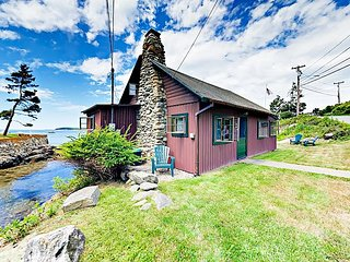 Oceanfront Log Cabin, 1BR Haven w/ Loft, Sunroom, Swim Inlet & Stunning Views