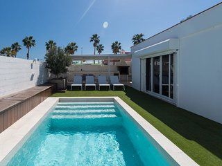 3 bedroom Villa in Maspalomas, Canary Islands, Spain : ref 5649487