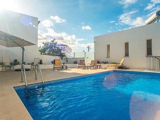 Casa Lopes V4 + V2 com piscina, centro cidade Tavira