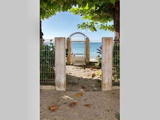 Cosy Studio 'Soleil', foot in the water at Anse-Mitan without sargasse