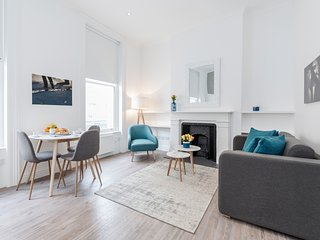 Brewer Blue - 1bed flat in Soho - by BaseToGo