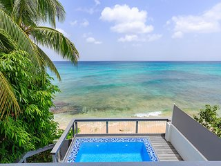 Imagine Villa- newly remodeled beachfront 4 bed (Penthouse, Master, Queen, Twin)