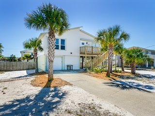 Nicely furnished 3 bedroom 2 bathroom house on Pensacola Beach