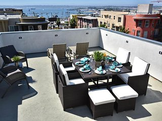 NEW LISTING! Luxury condo w/terrace & amazing views - walk to zoo & Balboa Park!