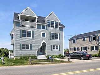 NEW! Wells House w/ Yard-150 feet to Moody Beach!