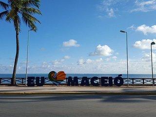 Luxuoso Beira-Mar em Ponta Verde - AP completo e melhor localizado de Maceio!