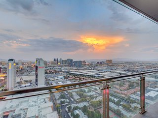 Stunning Strip Views on 36th Floor, Open Balcony