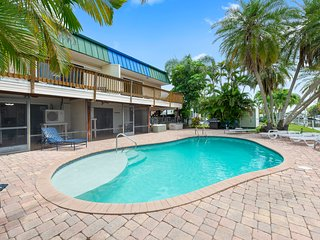Heaven 2-Bed/2 bath villa with dock!