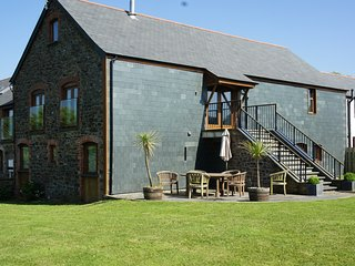 Hele Barton nr Bude Harvest Barn sleeps 8 ensuite