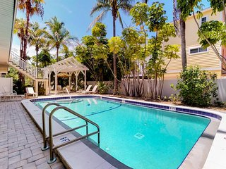 NEW LISTING! Family-friendly condo two blocks from the beach w/ community pool