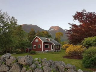 Charming cottage in Rosendal's majestic scenery