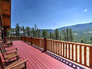 NEW! Bearadise Cabin w/Mtn Views Near Hiking