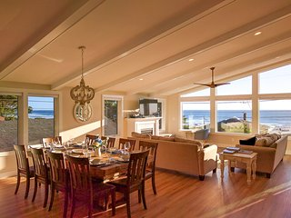 Newly built house, amazing ocean views, spacious, 1 minute walk to the beach