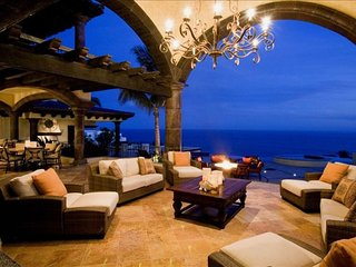 Beautiful Eight Bedroom Villa on a Cliff