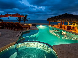 Luxury Eight Bedroom Beachfront Villa