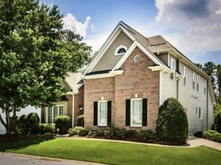 **SPECIAL!** Beautiful 4 BR Executive Home in Smyrna 20 minutes to Buckhead