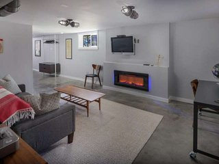 New Southeast Portland Retreat, Walkable to Dozens of Amazing Restaurants, Bars,