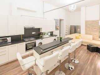Luxury City Center Big & Modern Apartment - Blaha