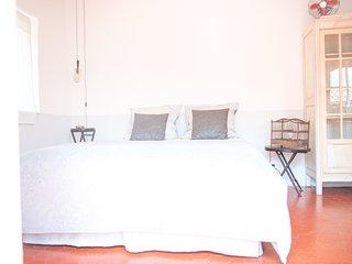 La Chambre 21, Entrevaux, chambre d'hotes en Provence, proche Nice