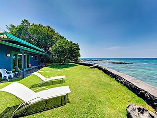 Hawaiian Oceanfront Retreat - 2 Cottages w/ Big Pacific Views & Tropical Yard