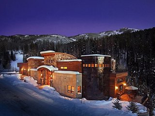 Incredible Ski-in & Out Modern Mountain Luxury Home 7 bedrooms & 7.5 baths!