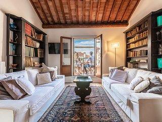Nabucco - Distinctive panoramic attic with elevator