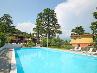 2 bedroom Apartment in Manerba del Garda, Lombardy, Italy - 5553109