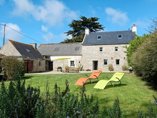 3 bedroom Apartment in Plouneour-Trez, Brittany, France : ref 5650059