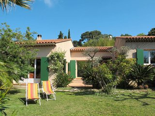 2 bedroom Villa in Giens, Provence-Alpes-Côte d'Azur, France : ref 5649845