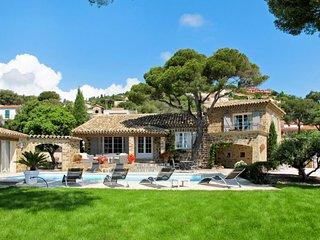 4 bedroom Villa in Saint-Peire-sur-Mer, France - 5650525
