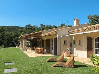 3 bedroom Villa in La Mole, Provence-Alpes-Cote d'Azur, France : ref 5650469