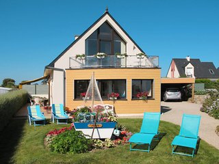 3 bedroom Villa in Kertissiec, Brittany, France : ref 5650135