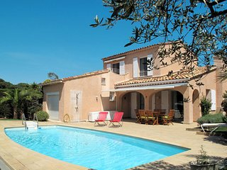 4 bedroom Villa in Sainte-Maxime, Provence-Alpes-Cote d'Azur, France : ref 56502