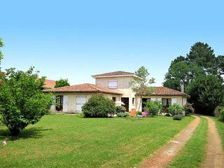 3 bedroom Villa in Gaillan-en-Medoc, Nouvelle-Aquitaine, France - 5650199