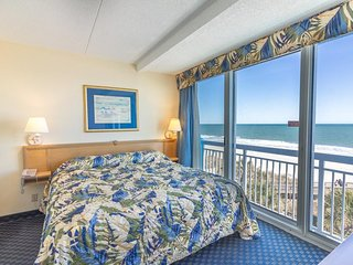 Oceanfront Family 1 br + Kids Bunk Nook s13