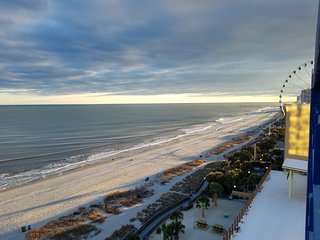 Oceanfront 2br / Beautiful View 6