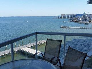 Bayfront 3 Br ★ Stunning View ★ 31