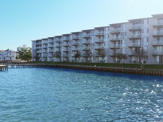 Bayfront 3 Br - 4 Blocks to Beach!  Amazing View!