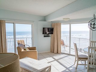 Oceanfront! 2 Br!  Pool!  Hot Tub! Amazing View 2A