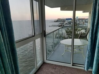 Bayfront! Amazing view! Great location 214