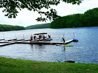 LAKEFRONT * DEEP CREEK * BOAT DOCK 12