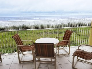 OCEANFRONT 2BR- Heat Pool! Beautiful! Last Minute Deal
