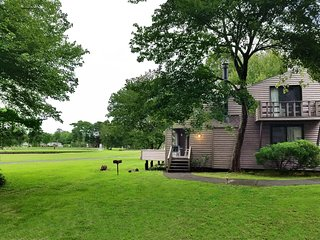 2 Br -Family Retreat*Golf Community/Beach Retreat