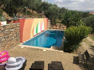 Ca', villa con grande piscina di Rimbaudi